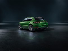 Stronger, faster, more agile: the new Macan Turbo comes with 440 PS